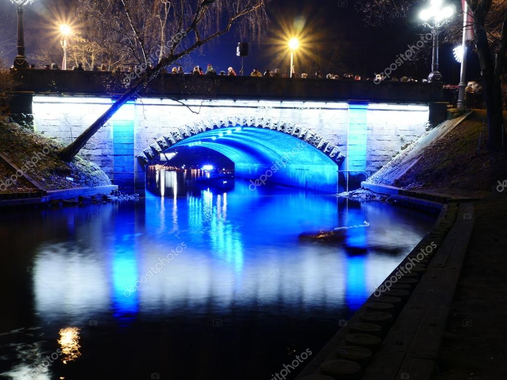 night view of small bridge
