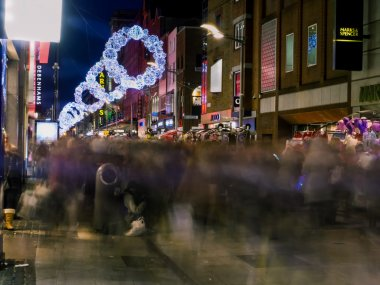 Crowded street in Dublin at Christmas