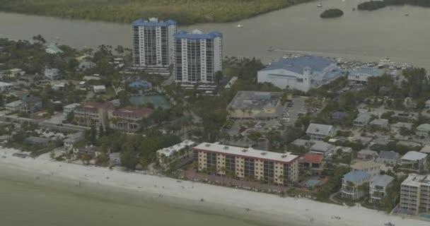 Fort Myers Beach Florida Aerial v7 Luxus direkt am Strand lebende Panorama-Antenne zeigt entlang der Küste - DJI Inspire 2, X7, 6k - März 2020