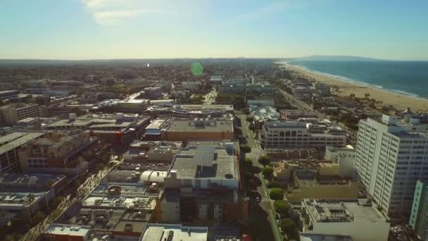 Repül át a Santa Monica