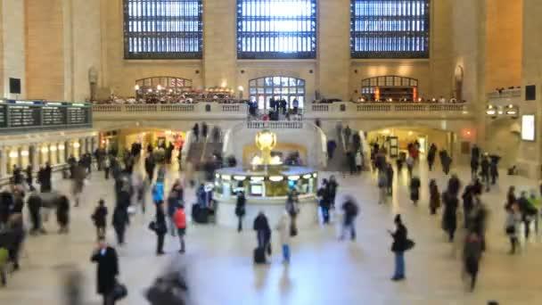 pedestrian traffic in Grand Central Station