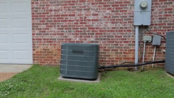 Aufnahme einer Klimaanlage, während sich die Kamera langsam nähert