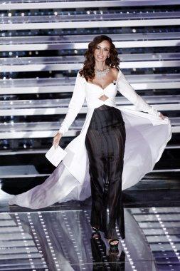 Model Madalina Ghenea
