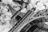 Fotografie Eiffelova věž, Paříž. Černá a bílá