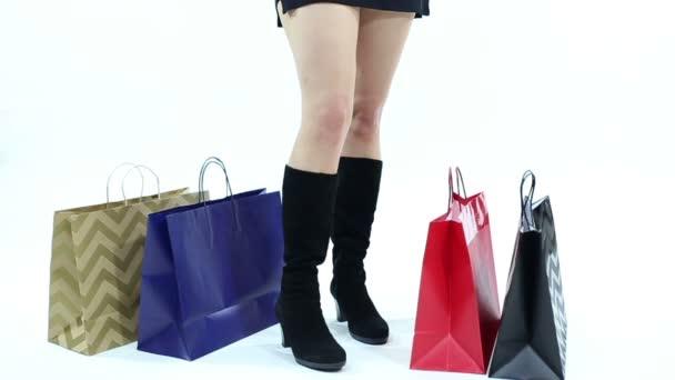 Nakupující čeká na bílém pozadí