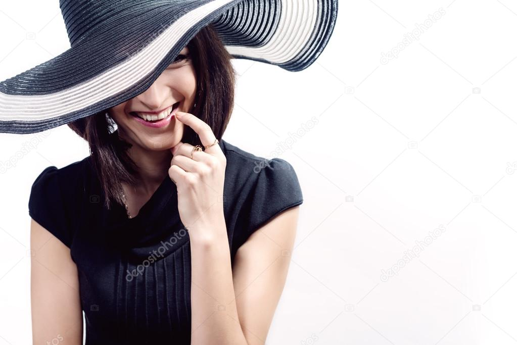 d3fe010d26d Beautiful young woman wearing summer black hat with large brim — Photo by  Eva eva79