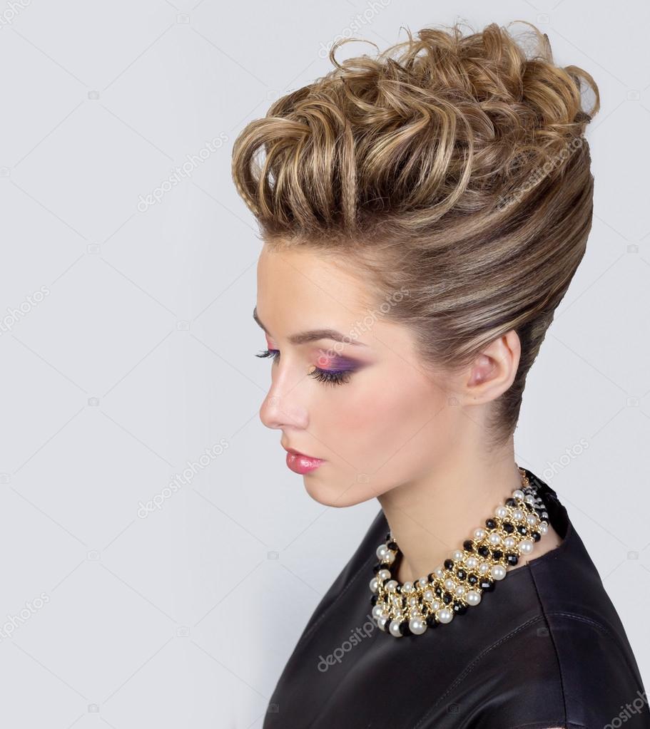 Descargar Peinados Para Jovenes Hermosa Joven Con Maquillaje Y - Peinados-para-fiesta-de-noche