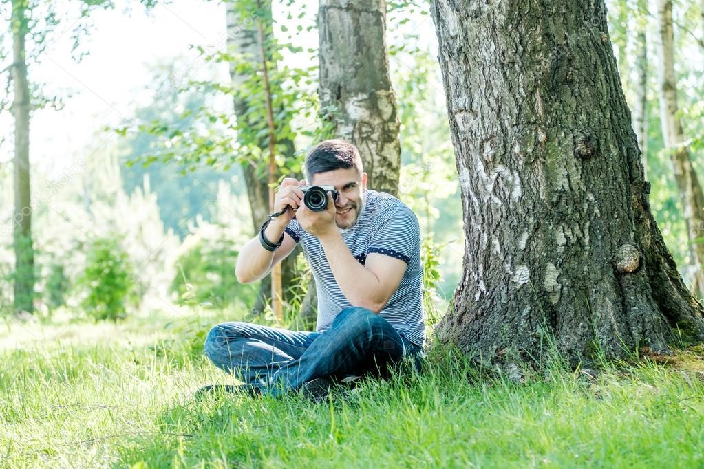 молодые парни в испании на природе видео количество