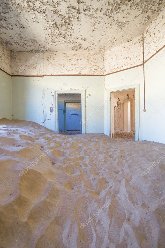 Abandoned houses in Kolmanskop, Namibia – Stock Editorial