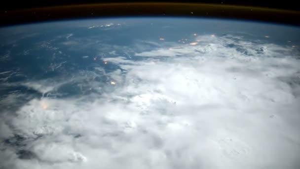 Planetu Zemi z mezinárodní vesmírné stanice Iss. Prvky tohoto videa, které Nasa