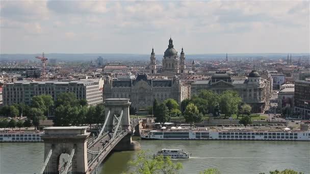 Panoráma-Budapest a Duna és az Országház, Magyarország.