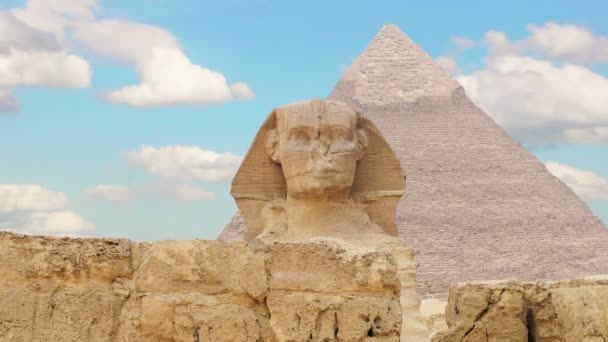 Timelapse. Clouds over the pyramid of Cheops and Sphinx. Giza Egypt. v.2
