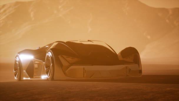 Supersportwagen bei Sonnenuntergang in der Wüste