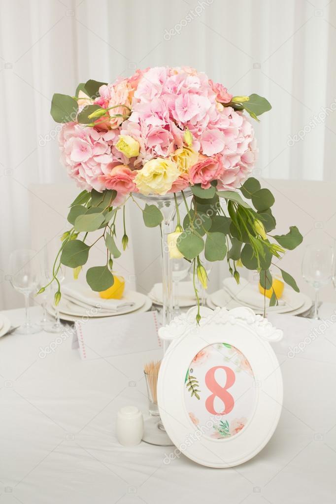 Tafeldecoratie bruiloft tafel set voor een bruiloft diner for Tafeldecoratie bruiloft