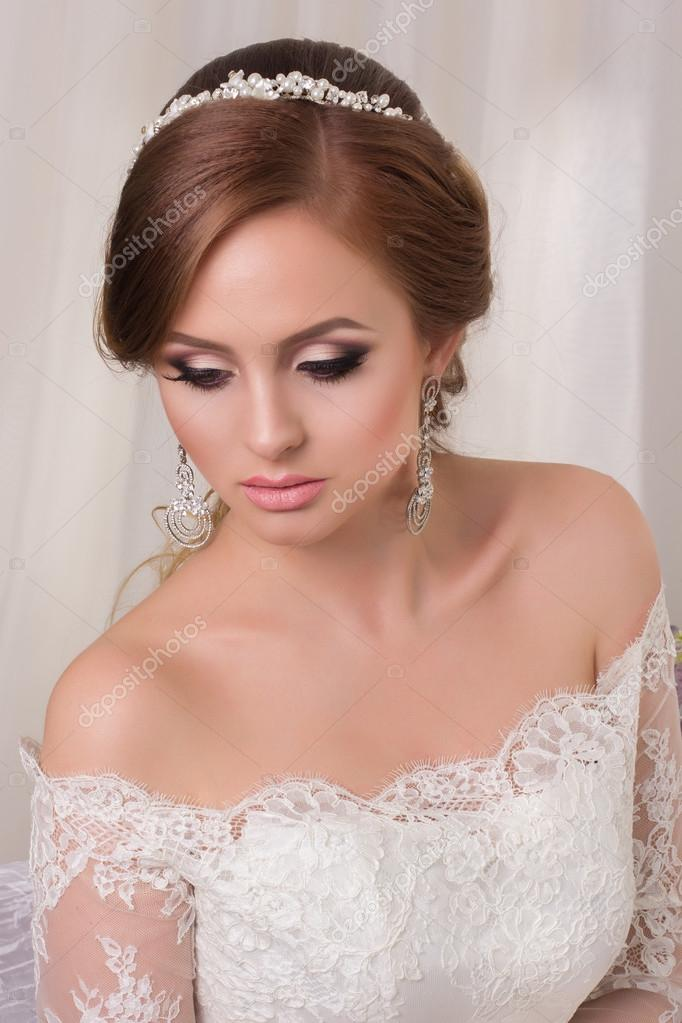 Fiancée De Beauté Et Avec Maquillage Femme MariageMode Coiffure thsQrxdC