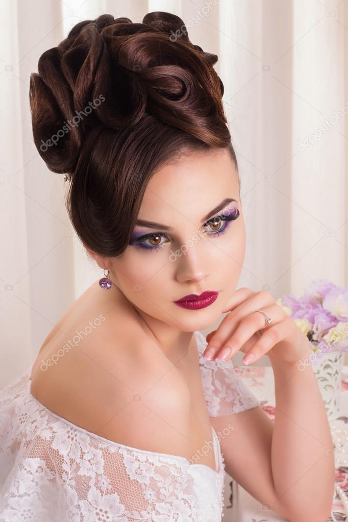 mariage belle mari e beaut femme avec maquillage et coiffure de mariage mode de fianc e. Black Bedroom Furniture Sets. Home Design Ideas