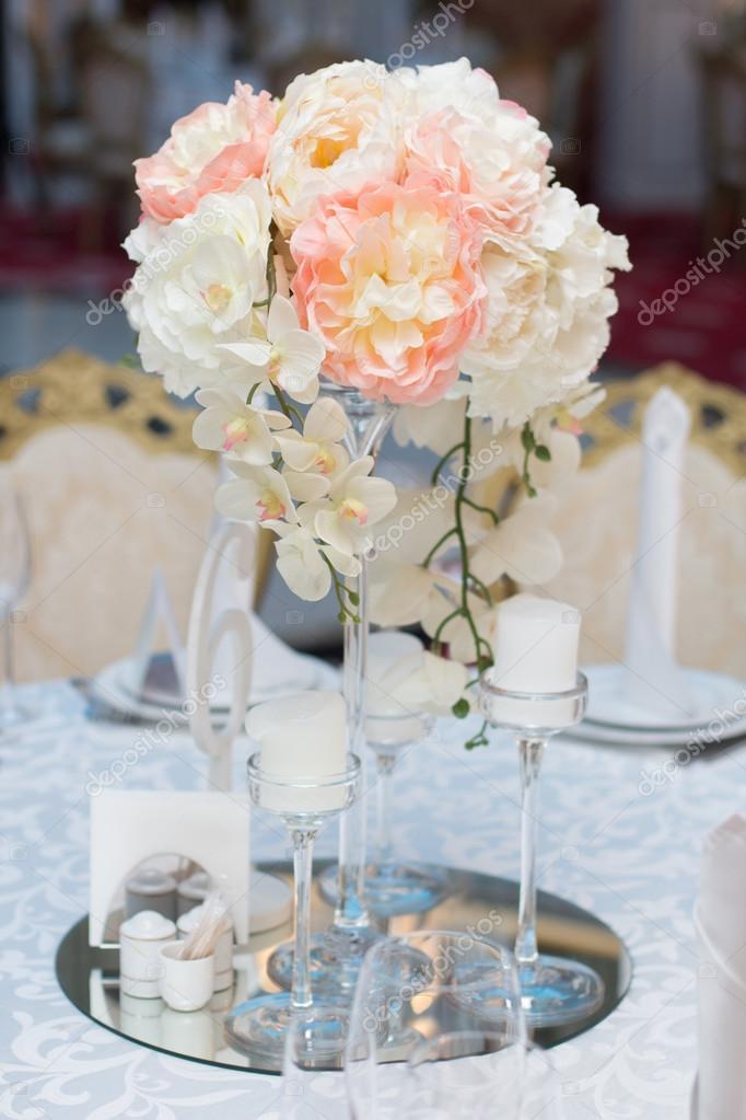 Bruiloft tafeldecoratie tabel voor een bruiloft diner for Tafeldecoratie bruiloft