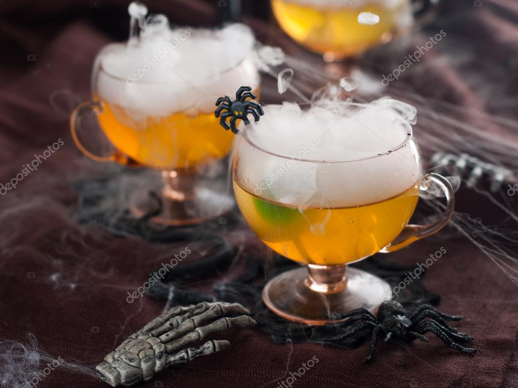 Halloween Getränk — Stockfoto © Wiktory #53404031