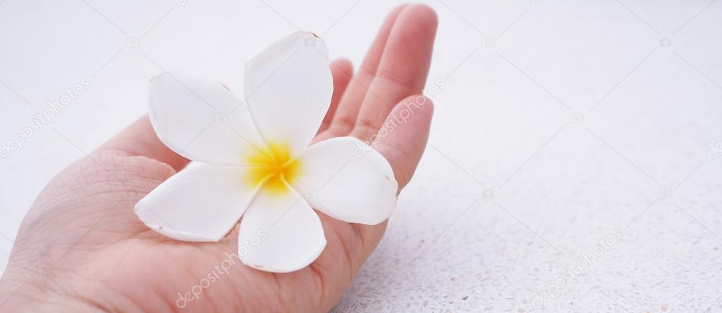 Как сделать промывание носа физраствором 48