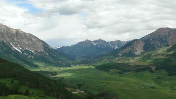 WS POV Scénický pohled na hory