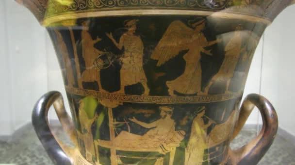 large greek vase with drawings