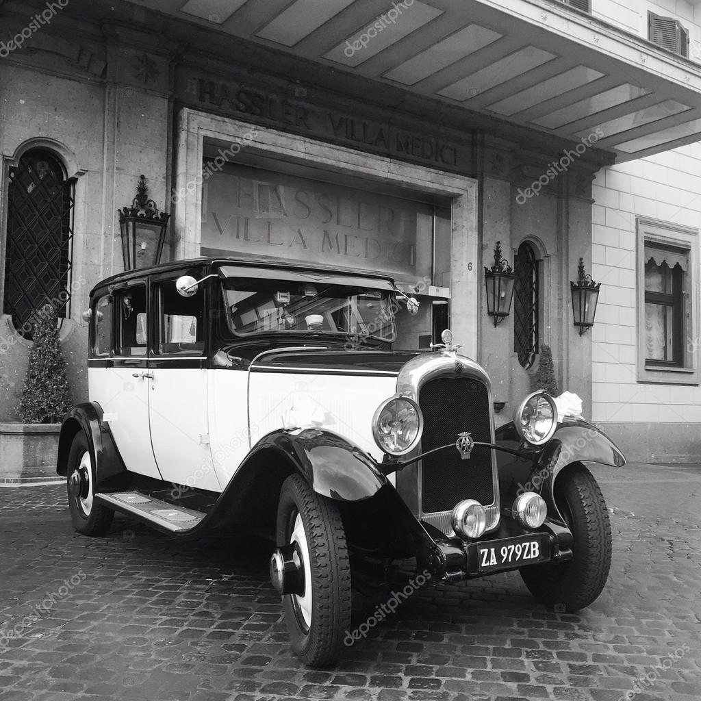 Old retro cars – Stock Editorial Photo © 3290162_clashot #96274368