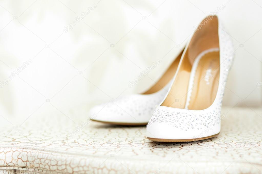 bb7b660e618b Παπούτσια γάμου της νύφης — Φωτογραφία Αρχείου © erstudio #64379969