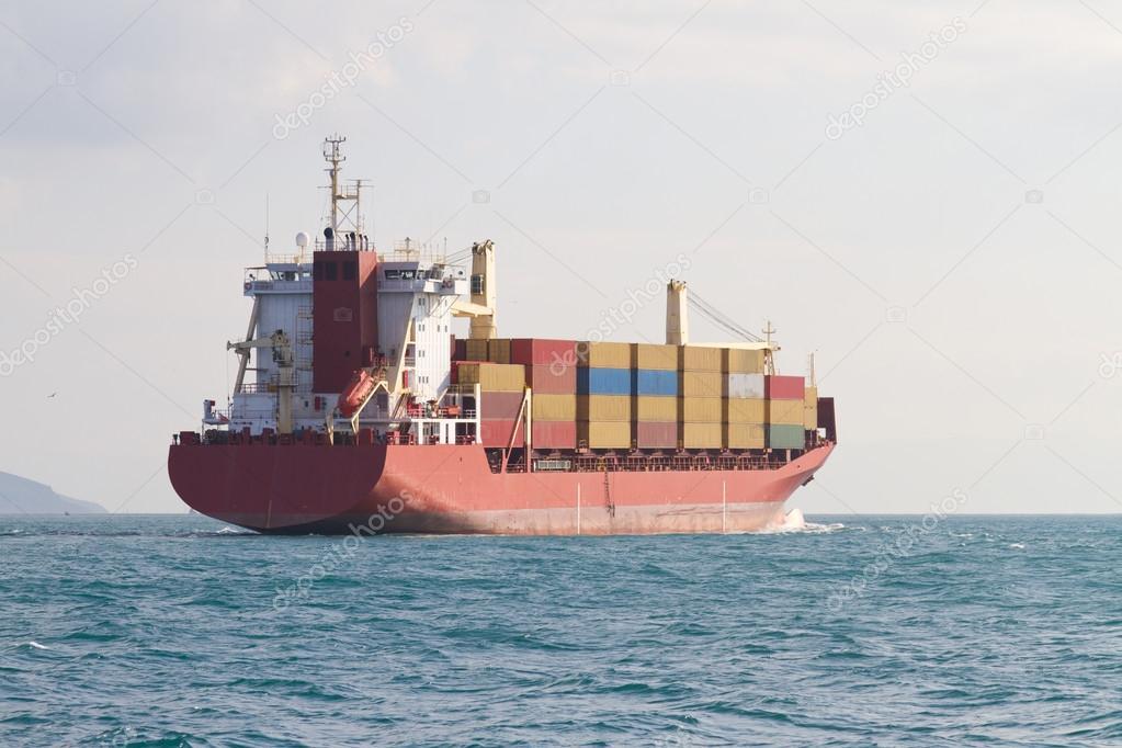 Barco contenedores foto de stock evrenkalinbacak 53409603 - Contenedores de barco ...