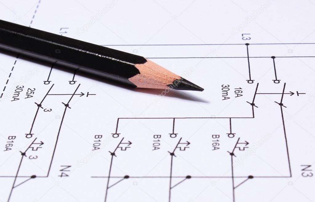 Bleistift, die auf elektrische Diagramme — Stockfoto © ratmaner ...