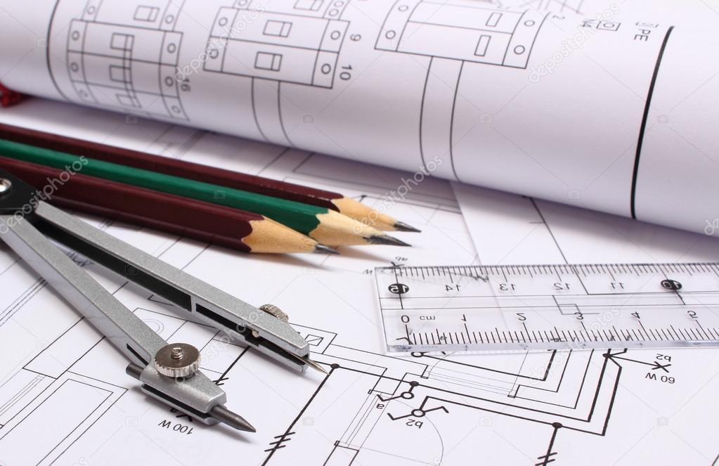 Rollen der Schaltpläne und Zubehör für Zeichnung — Stockfoto ...