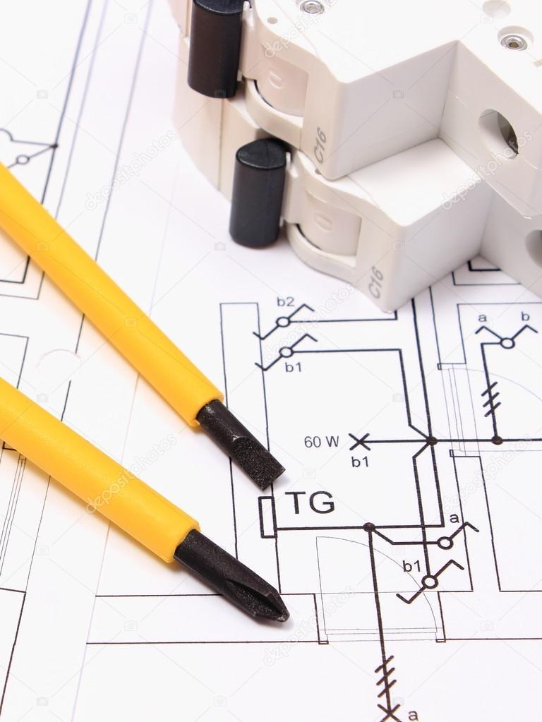 Schraubendreher Und Elektrische Sicherung Am Bau Des Hauses Zeichnen U2014  Stockfoto