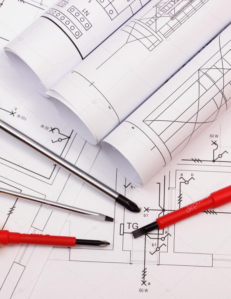 Rollen von Diagrammen und Anbaugeräte auf elektrische Konstruktion ...