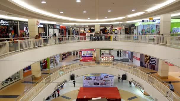 Thajsko, Koh Samui, prosinec 2014 - interiér moderní nákupní centrum