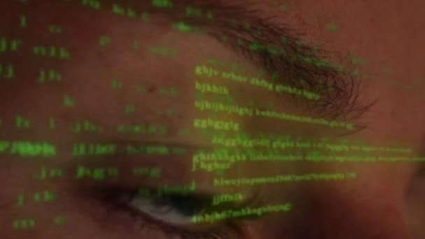 Počítačový programátor kódování na futuristické Hologramic zobrazení
