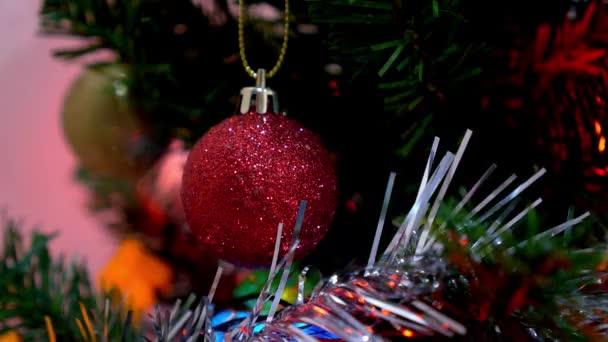 Karácsonyi és szilveszteri dekoráció. Zsuzsu a karácsonyfa.