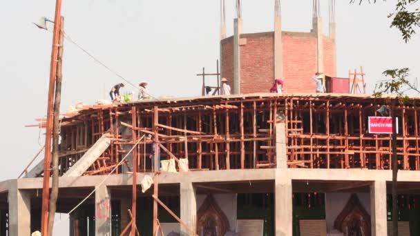 Március 3-án 2016.Building egy új pagoda folyamat Mianmar idő telik el