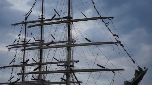 Plachetník část s příznaky - večerní mraky časová prodleva