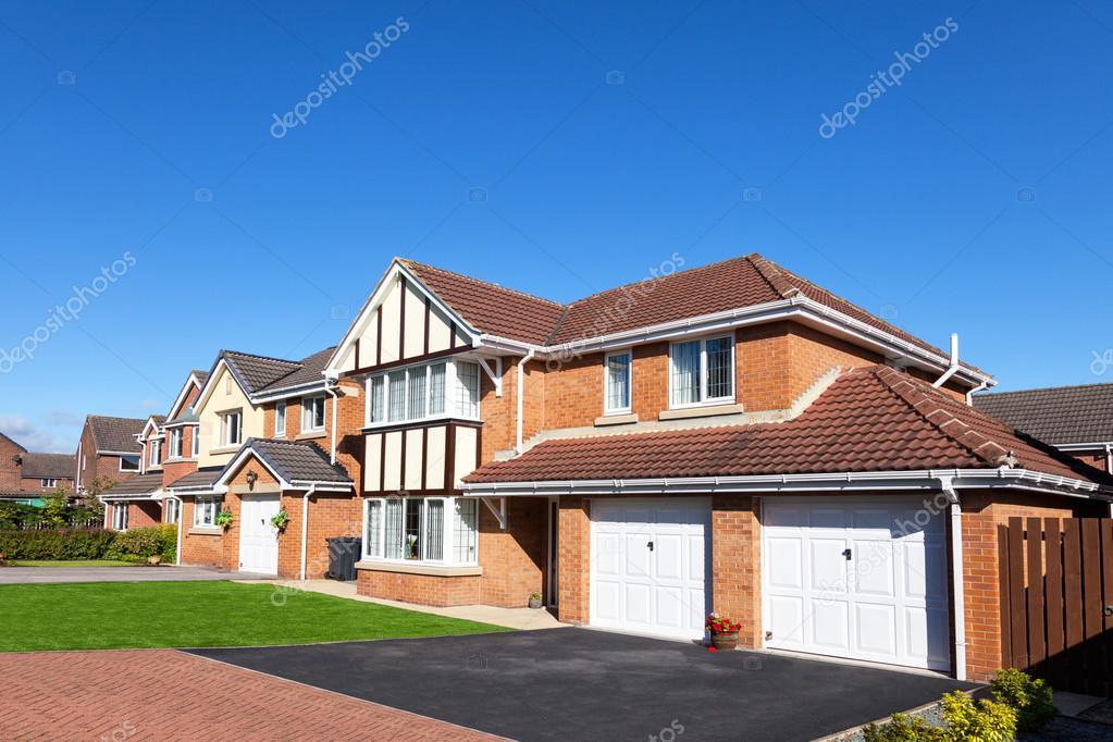 Elegantes novas casas inglesas fotografia de stock editorial ewelinas85 122871088 - Imagenes de casas inglesas ...