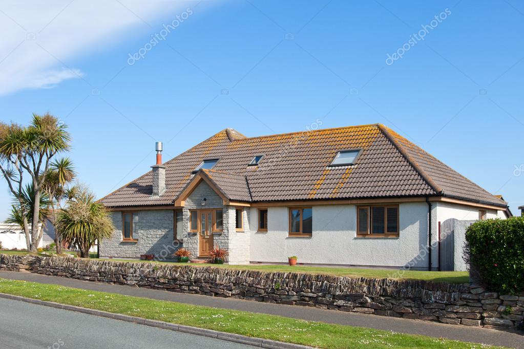 casa bungalow inglese tradizionale foto editoriale stock