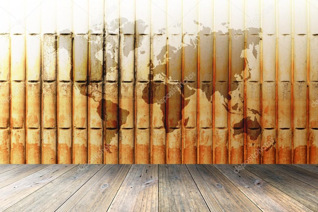 Terraza De Madera Y Pared De Ladrillo Con Mapa Del Mundo