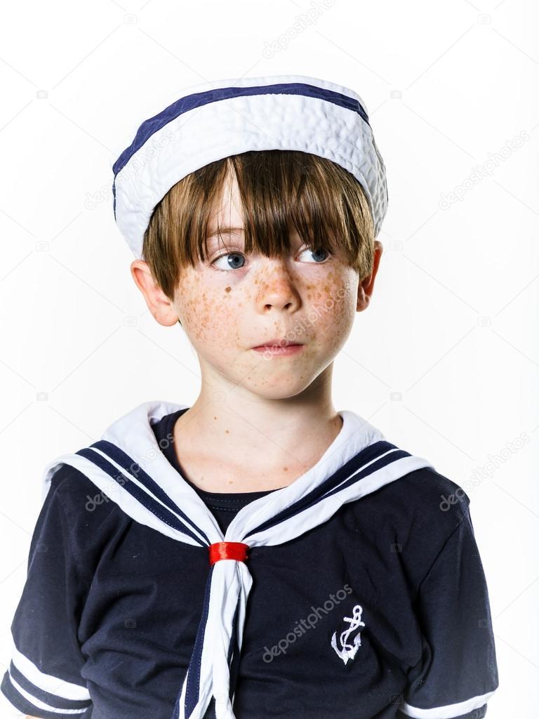 セーラー服に身を包んだかわいい男の子 — ストック写真 © sorokopud