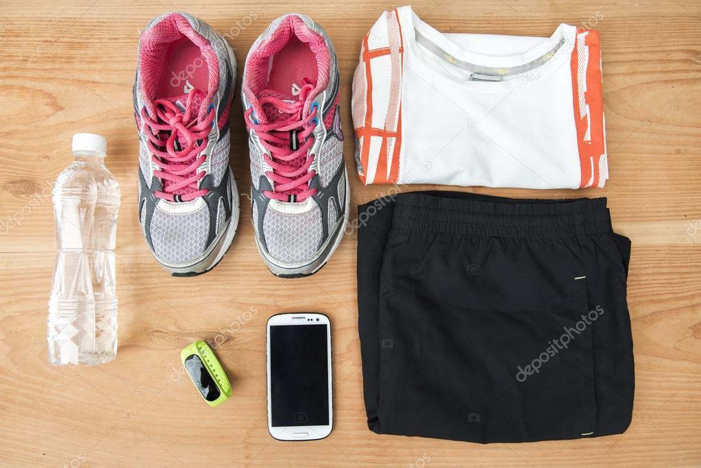 d6bf991347a sapatilhas e equipamentos de fitness — Fotografias de Stock ...