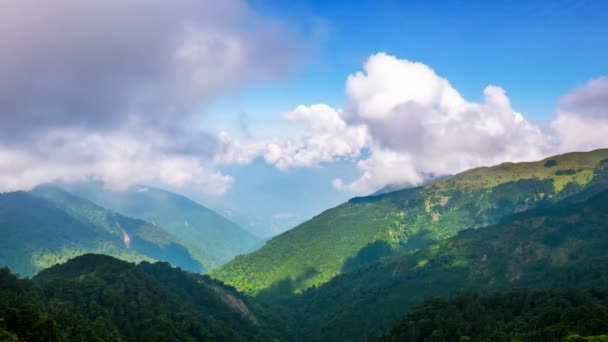 Timelapse of Tatun Mountain cloud waterfall, Taiwan