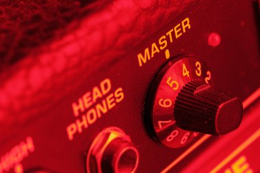 Master volume knob of a guitar amplifier