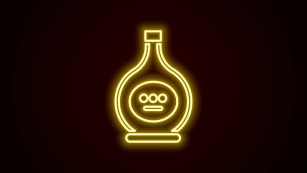 Ragyogó neon vonal Palack konyak vagy brandy ikon elszigetelt fekete alapon. 4K Videó mozgás grafikus animáció