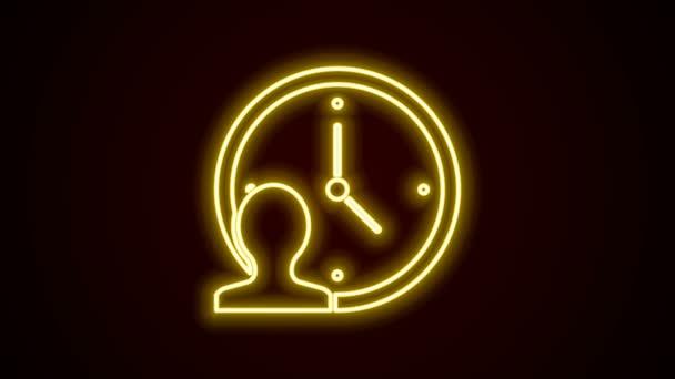 Zářící neonová čára Ikona Time Management izolovaná na černém pozadí. Hodiny a výbava. Symbol produktivity. Grafická animace pohybu videa 4K