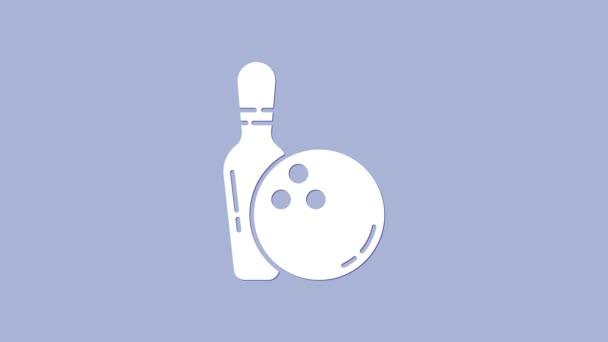 Bílý bowling pin a ikona koule izolované na fialovém pozadí. Sportovní vybavení. Grafická animace pohybu videa 4K