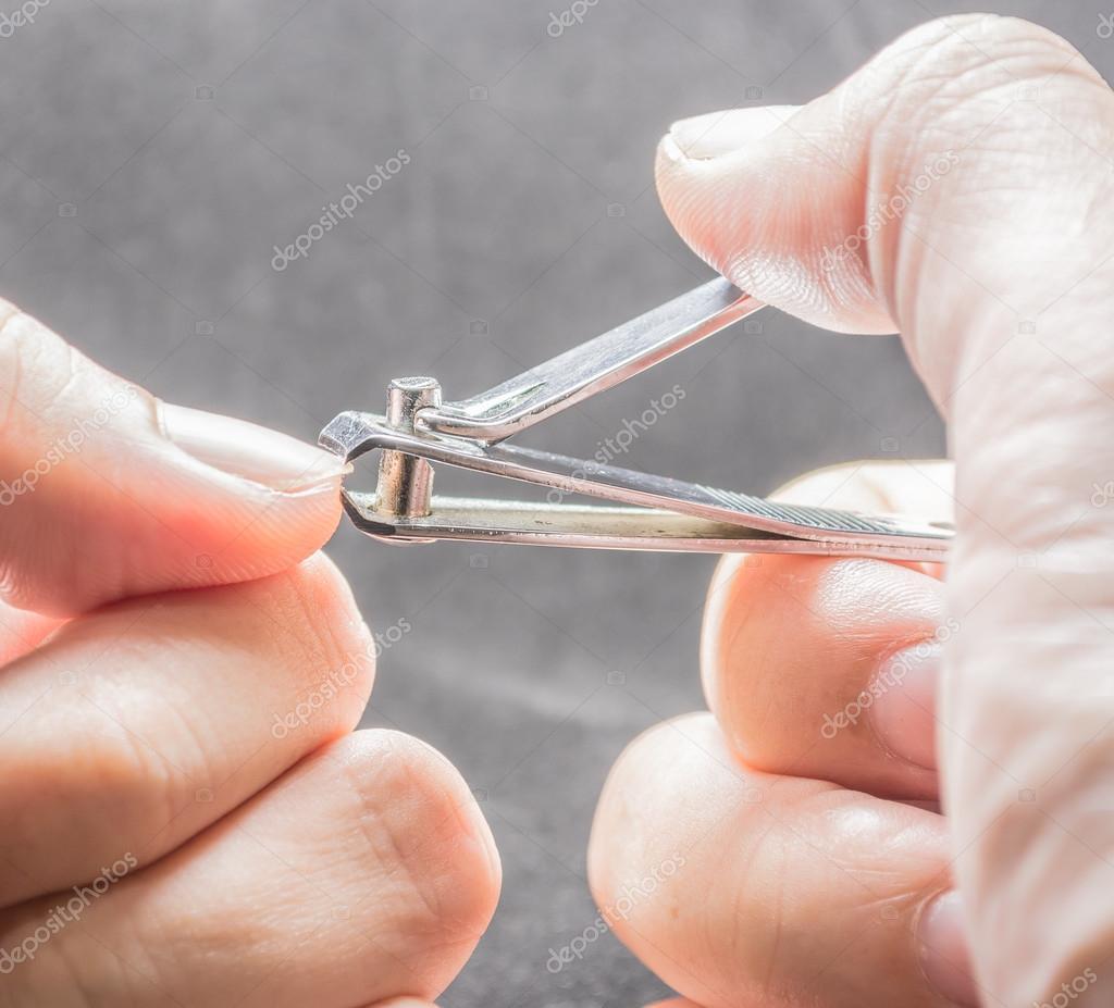cierre plano de imagen de cortador de uñas sucias — Foto de stock ...
