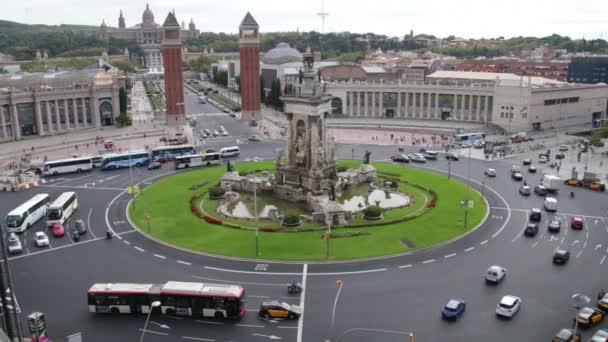 Plaza ve Španělsku v Barceloně vozidel provozu scenics časová prodleva. vozidla v plaza Španělska v fira de barcelona