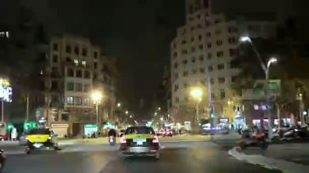 Vánoční světla kamera auto v centru města